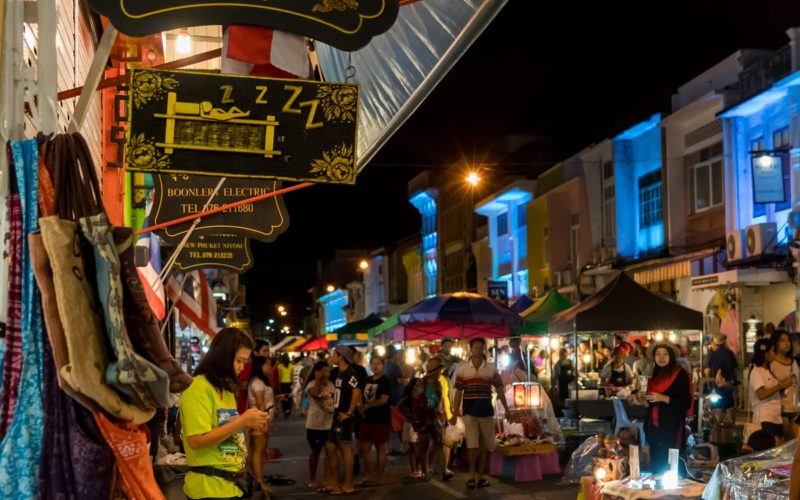 How to Avoid Being a Dumb Tourist in Phuket: 6 Dos and Don'ts